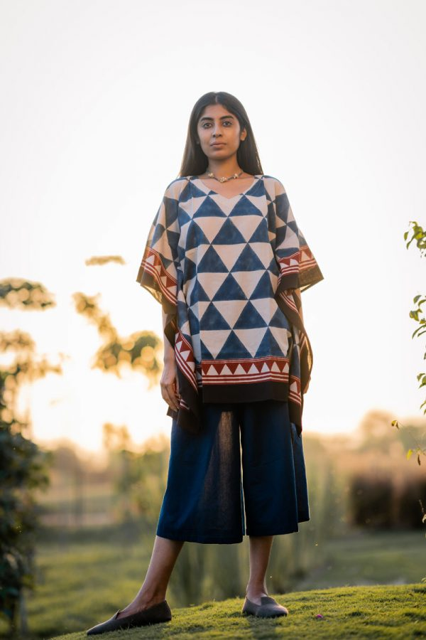 Kaftan Top – Indigo Pyramid