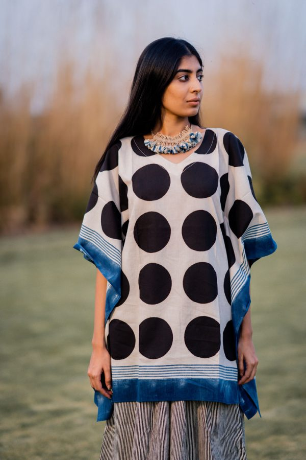 Kaftan Top – Black Circles