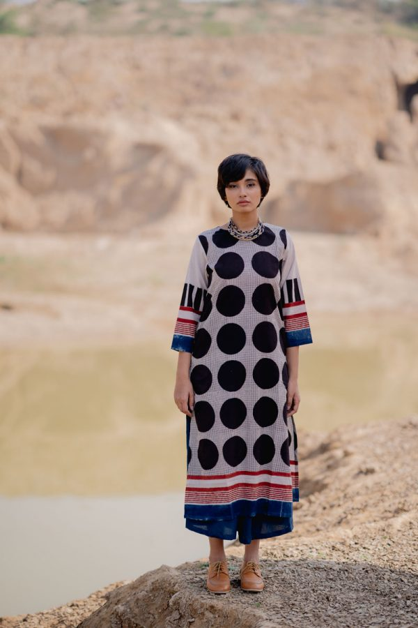 Everyday Kurta – Black Circles & Dots
