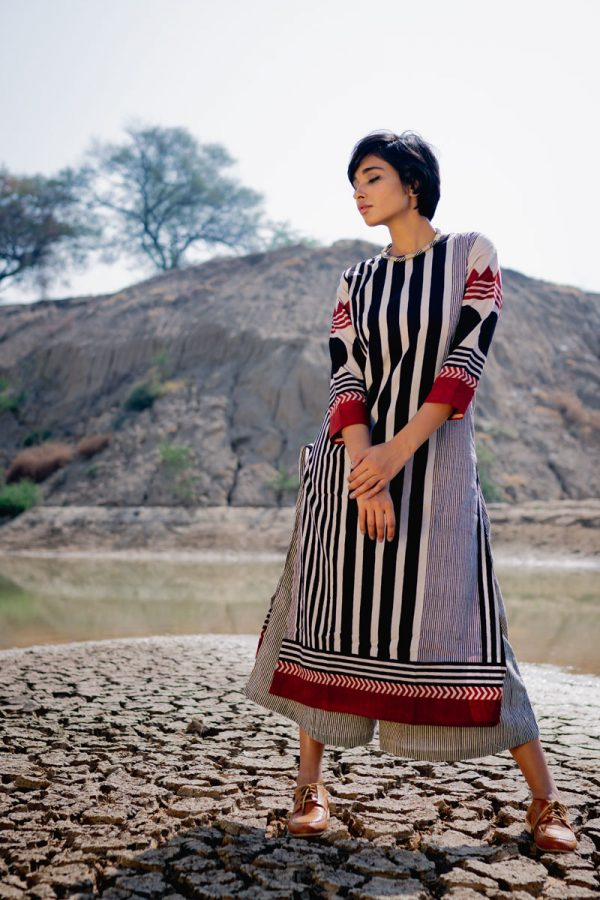 Everyday Kurta – Black Stripe Gradation