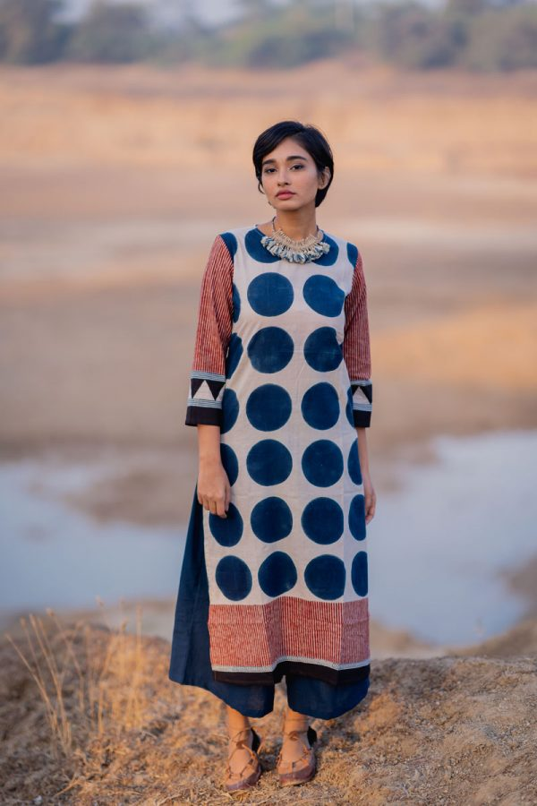 Everyday Kurta – Indigo Circles