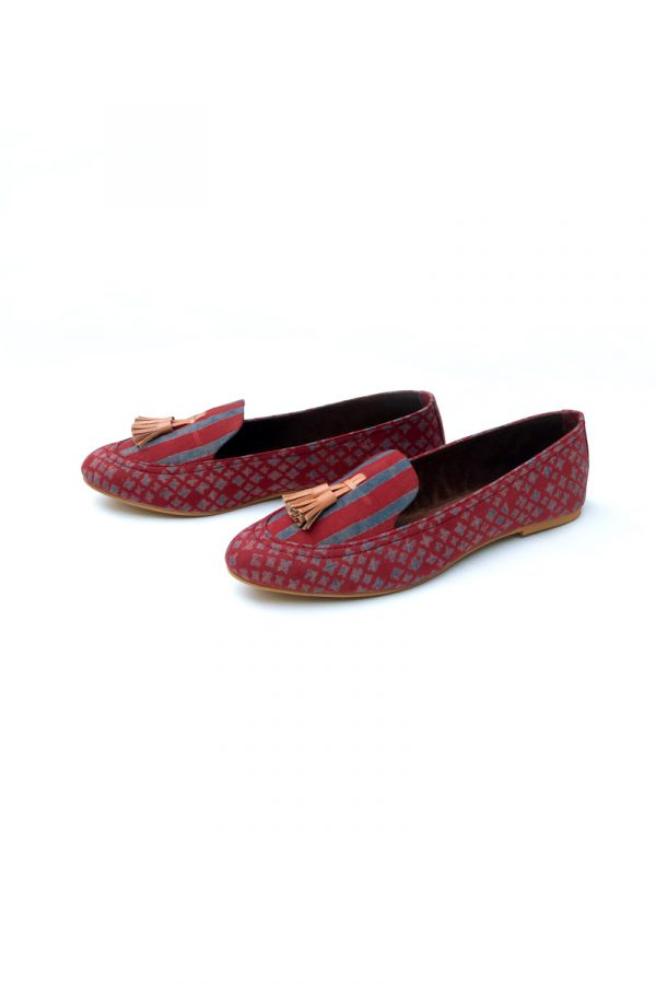 Loafers – Red Stripes & Buti